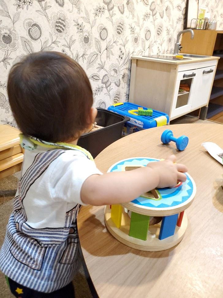 小さい子でも遊べる玩具がある