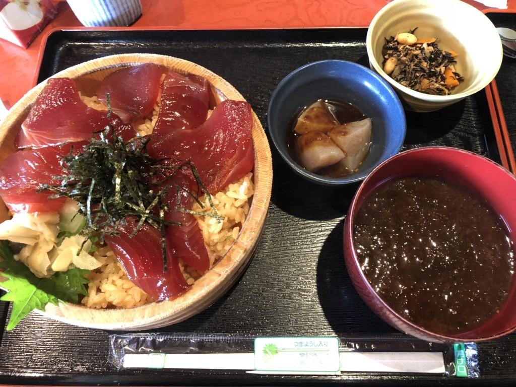 伊勢志摩で有名な「てこね寿司」